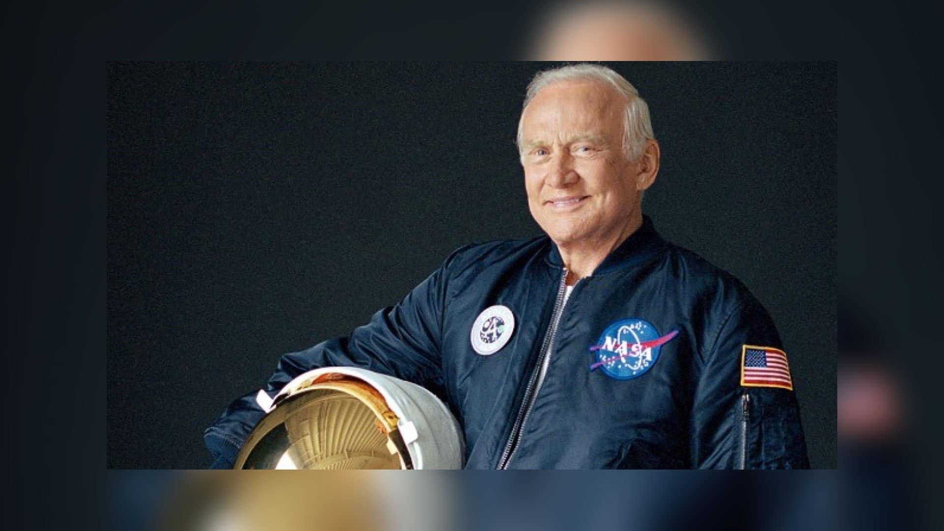 El Apolo 11 fue perseguido por OVNIS según revela Buzz Aldrin