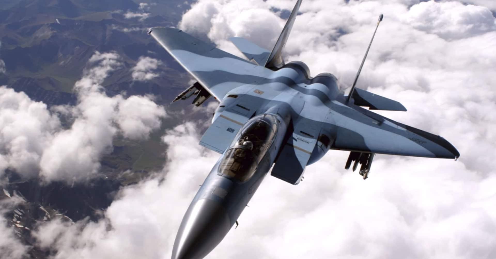 Cazas F-15 se topan con objetos volantes desconocidos en el cielo de Oregón