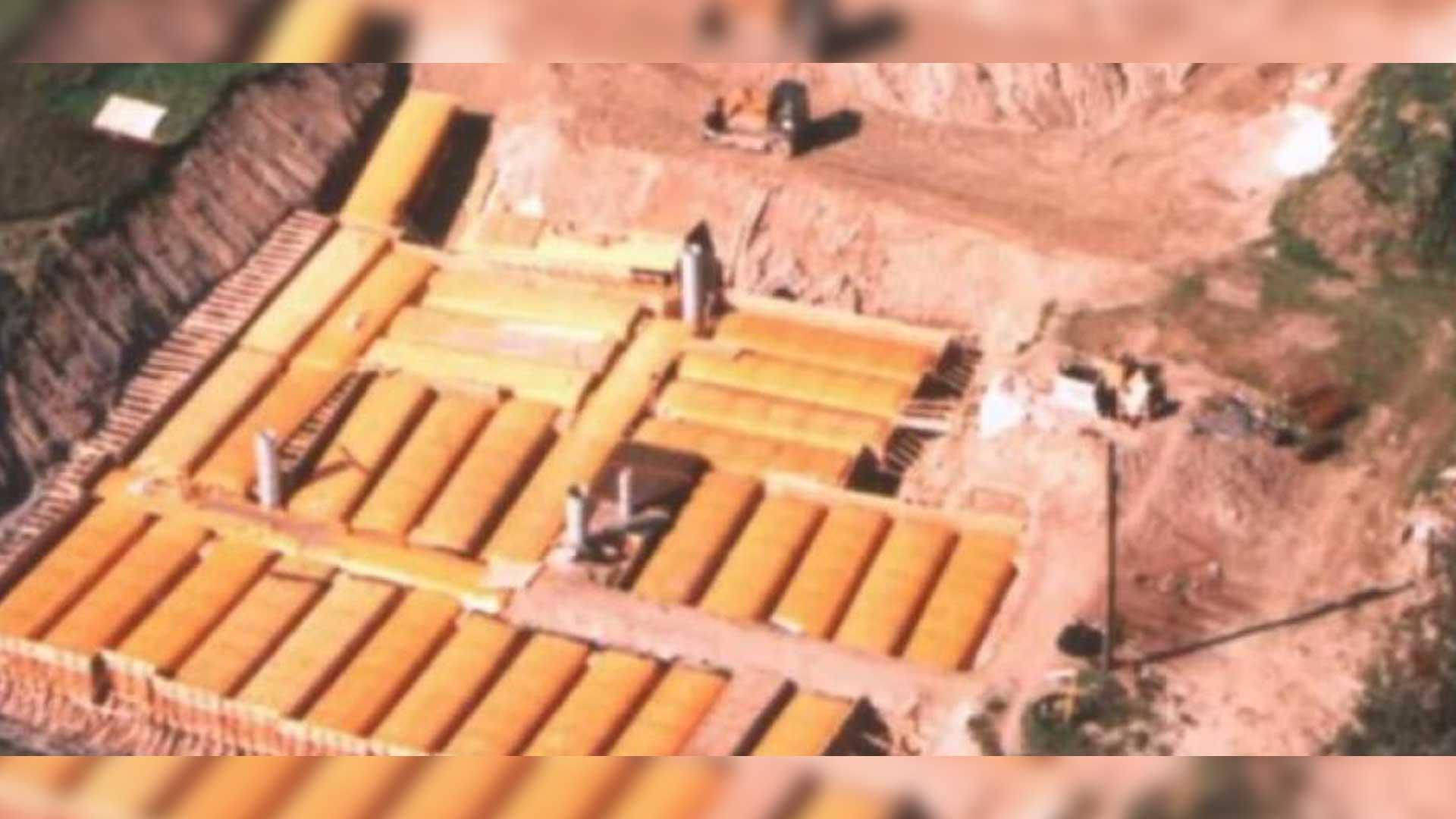 BÚNKER NUCLEAR DE PROPIEDAD PRIVADA MÁS GRANDE DE AMÉRICA DEL NORTE SE FABRICÓ A PARTIR DE 42 AUTOBUSES ESCOLARES