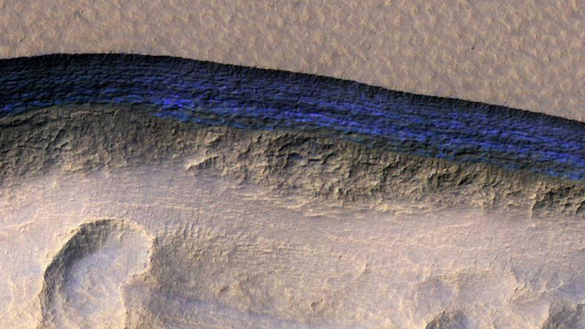 La NASA revela imágenes de las enormes reservas de agua descubiertas por todo Marte