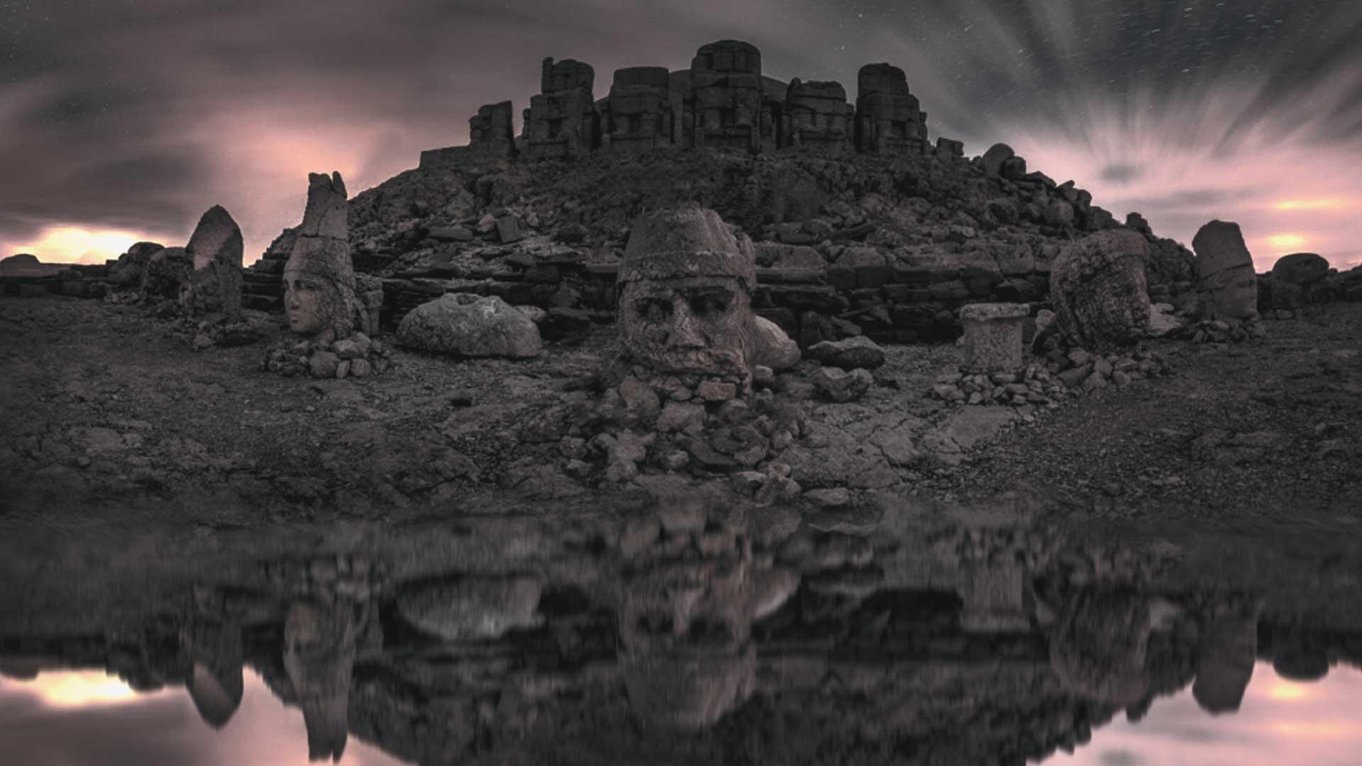 ¿Conoces el antiguo santuario de Antíoco y sus imponentes estatuas? Te sorprenderán
