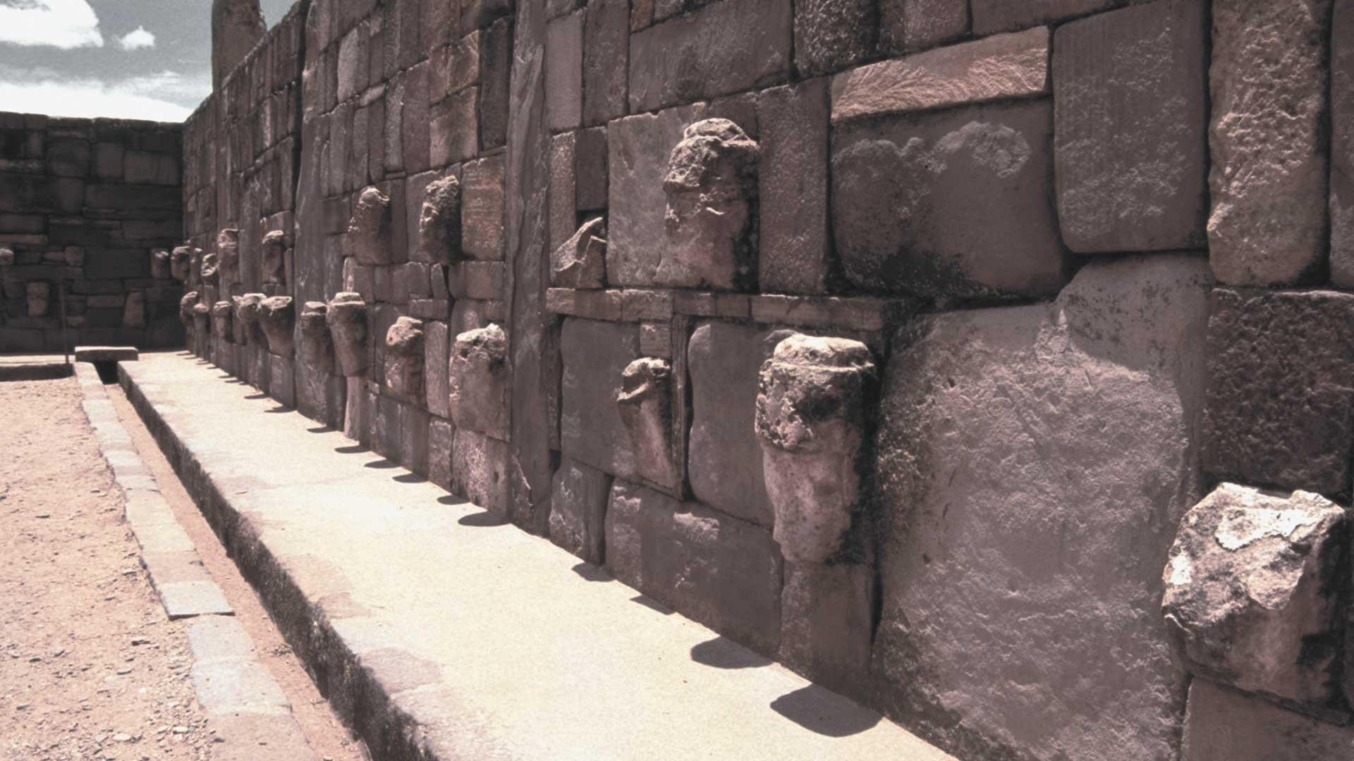 Antiquísima ciudad subterránea y pirámide hallada en Tiahuanaco, ¿reescribirá la historia?