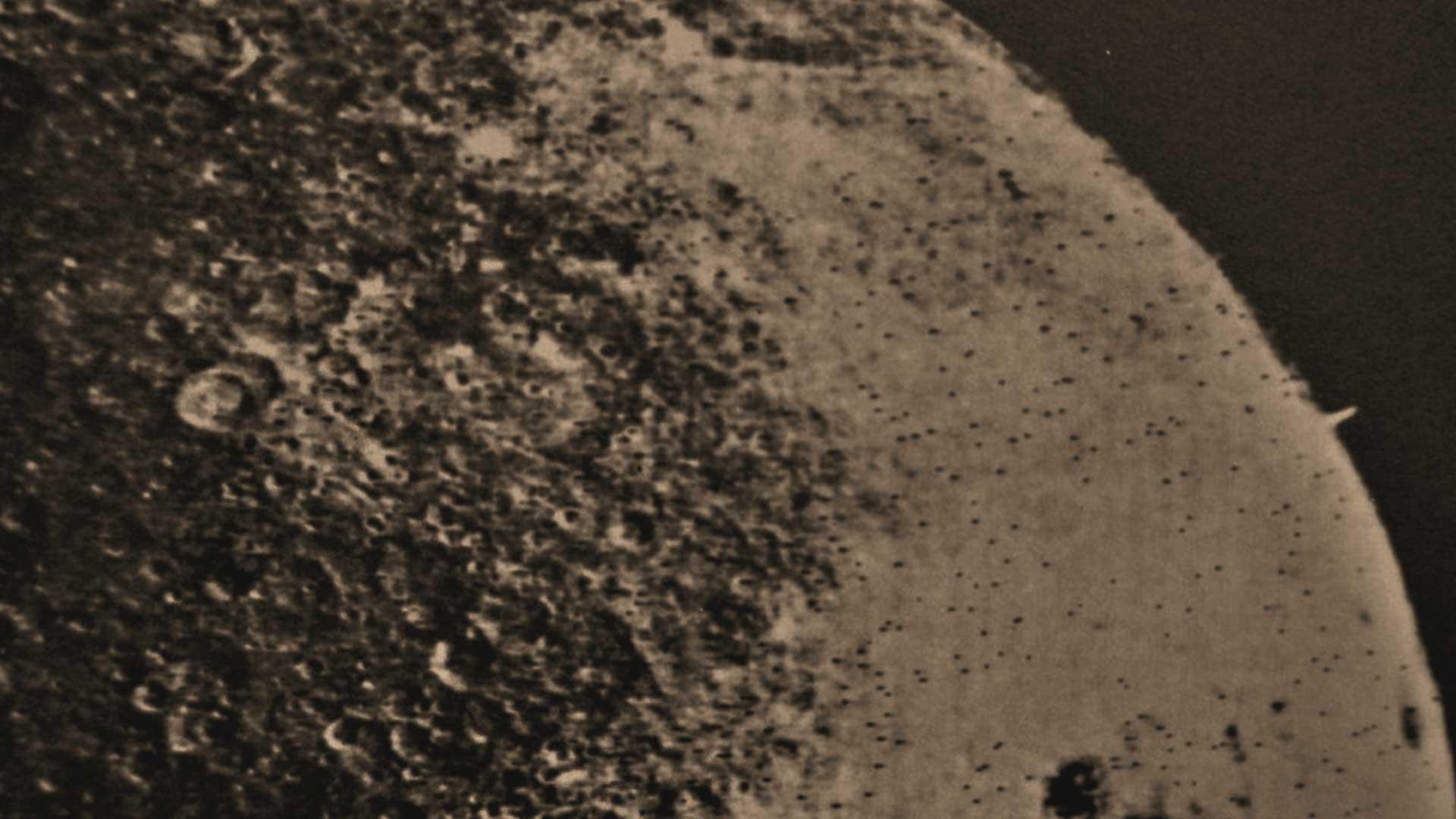 ZOND 3 captura imágenes de una torre situada en la superficie lunar