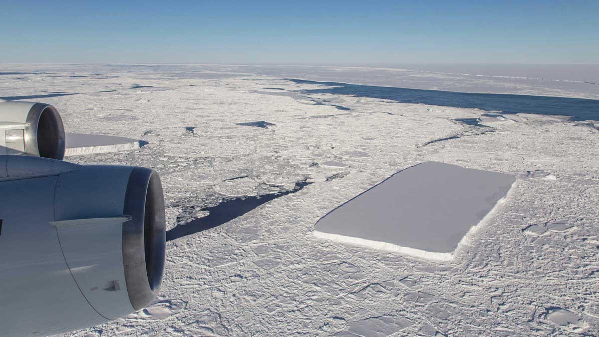 Misterioso iceberg rectangular aparece en una publicación de la NASA ¿qué es eso exactamente?