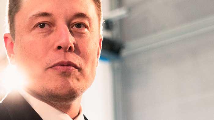Elon Musk quiere lanzar 4.000 satélites para ofrecer Internet gratis a todo el mundo