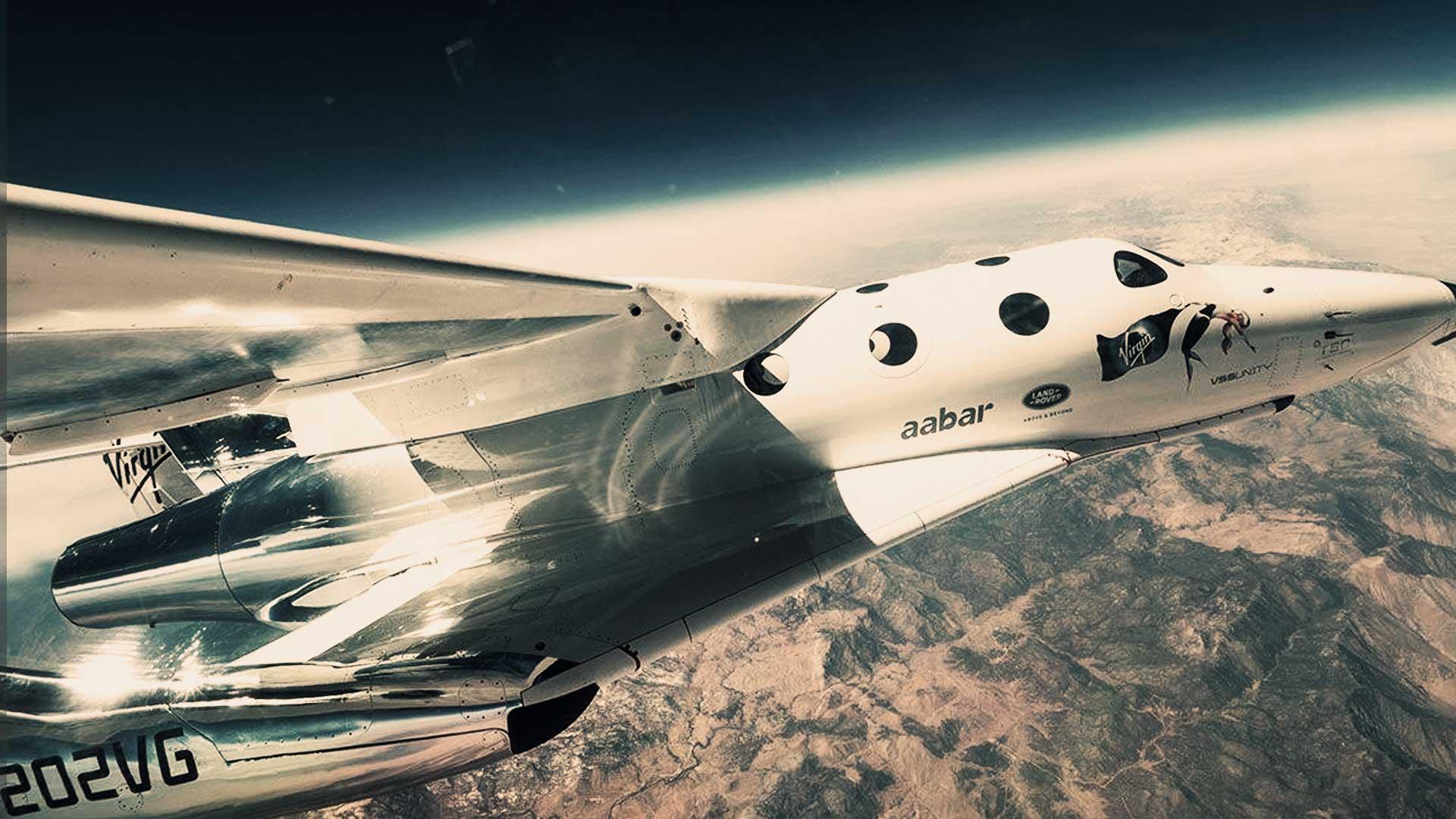 Virgin Galactic hace historia viajando al espacio en la primera nave comercial