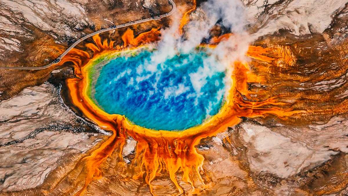 Geólogos concluyen: Supervolcán Yellowstone a punto de estallar con repercusiones mundiales