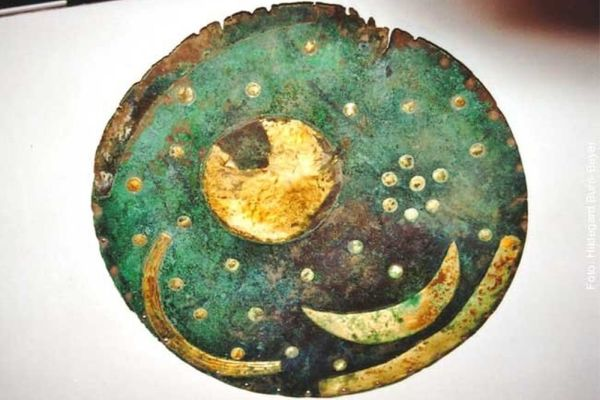Resultados sensacionales en el disco celeste de Nebra: 1000 años más joven de lo que se pensaba