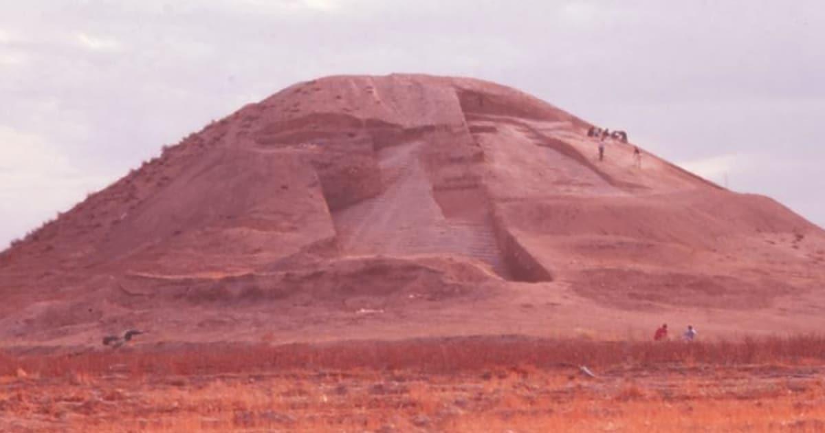 Los arqueólogos han descubierto un antiguo montículo artificial mucho más antiguo que las pirámides