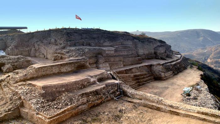 Pirámide antigua encontrada en China – la misma edad que la Gran Pirámide en Egipto
